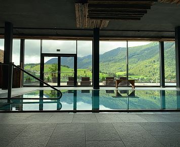 Armona_Pool_ Hotel_Wellness_Indoor