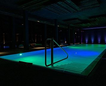 Armona_Pool_ Hotel_Wellness_Nacht