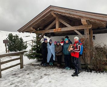Christbaum_Singen_Kranzhornalm_Team_Winter_Erl