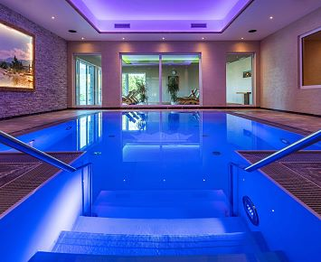Pool_Indoor_Panorama_Royal_Wellness